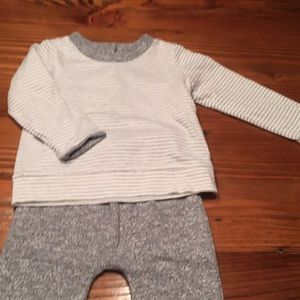 Gap baby 2 piece reversible outfit,